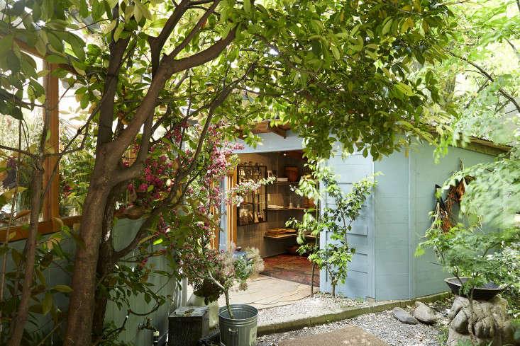 eatrip-little-flower-shop-tokyo-aya-brackett-gardenista-1