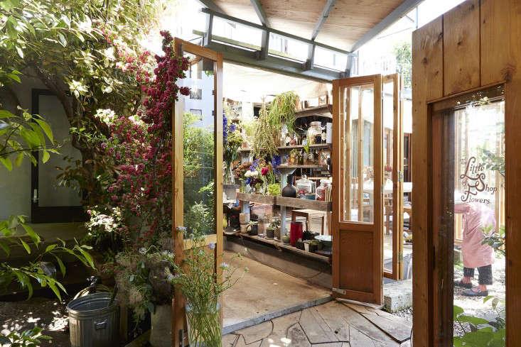 eatrip-little-flower-shop-tokyo-aya-brackett-gardenista-10