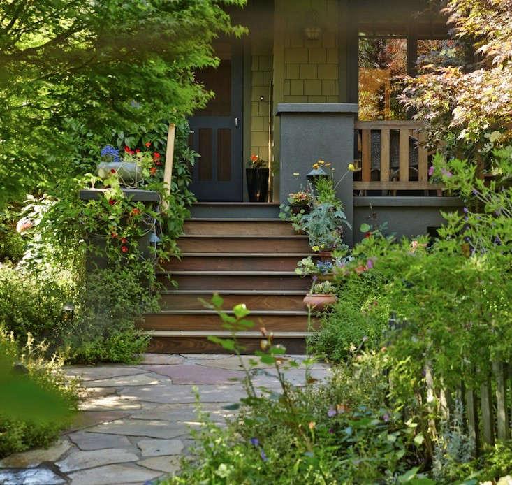 For more of this garden, see Garden Visit: The Hobbit Land Next Door. Photograph by Tom Kubik for Gardenista.
