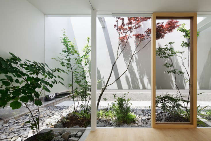 There&#8\2\17;s a natural tension in Japanese gardens, a tug-of-war created by minimalist elements meant to evoke a larger landscape. Here, a small courtyard garden in a house in Fujieda, by mA-Style Architects.