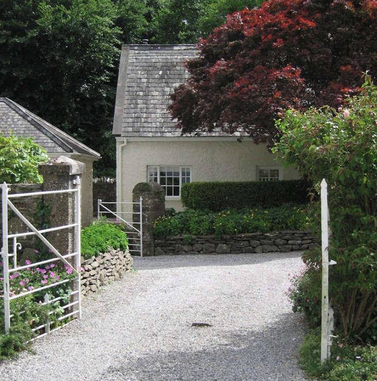 irish-garden-dry-stone-walls-tierney0haines-gardenista