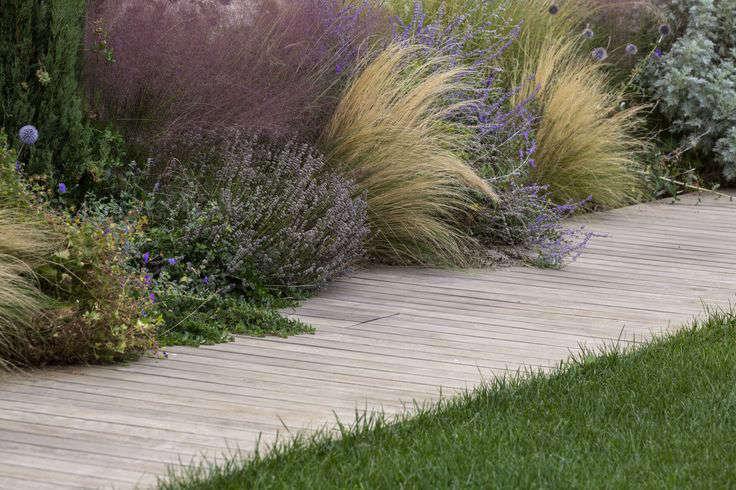 italy-grasses-path-garden-gardenista