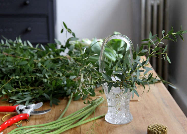 jamess-daughter-flowers-green-base-erin-boyle-gardenista
