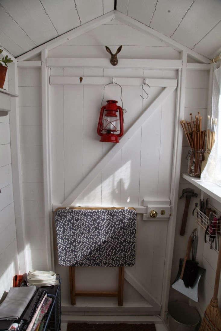 junkaholique-shed-3-artemis-russell-gardenista