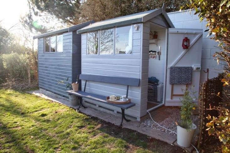 junkaholique-shed-9-artemis-russell-gardenista