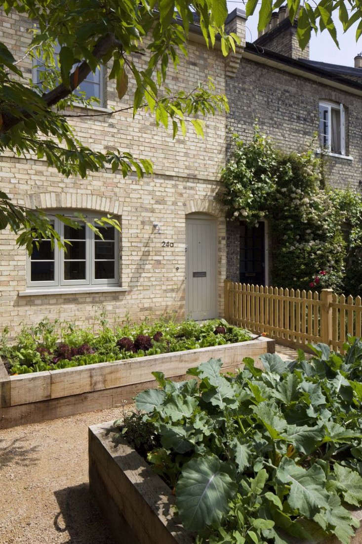 Landscape Design 10 Gardens Transformed By Raised Beds Gardenista