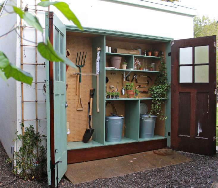 michelle-slatalla-potting-shed-gardenista-11