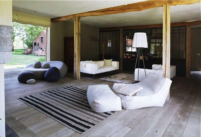 AID Architecten's reworked Belgium farmhouse