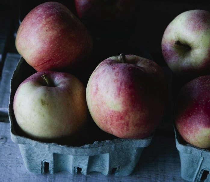 nicole-franzen-pink-lady-apples-square