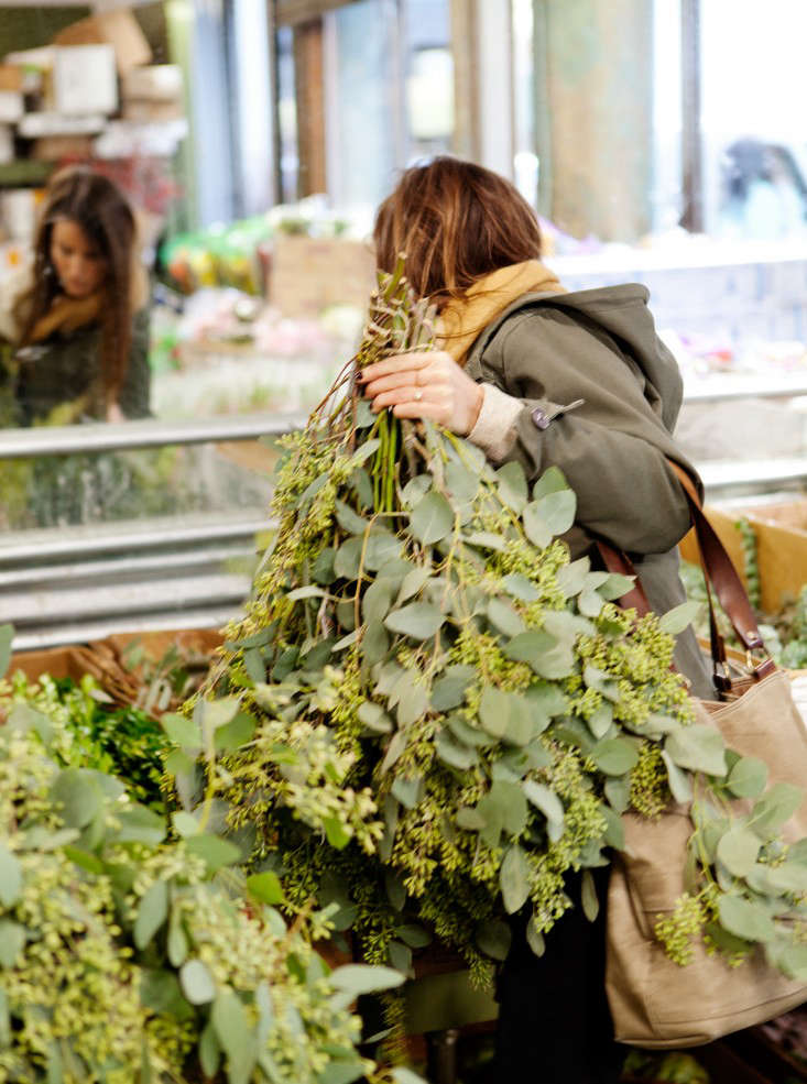 How To Navigate The Nyc Flower Market Gardenista