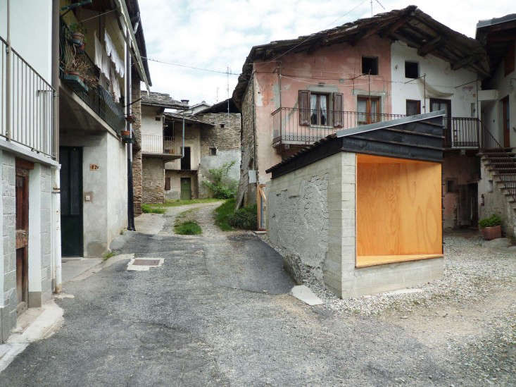 outbuilding-firewood-shed-italy-studioerrante-gardenista-4