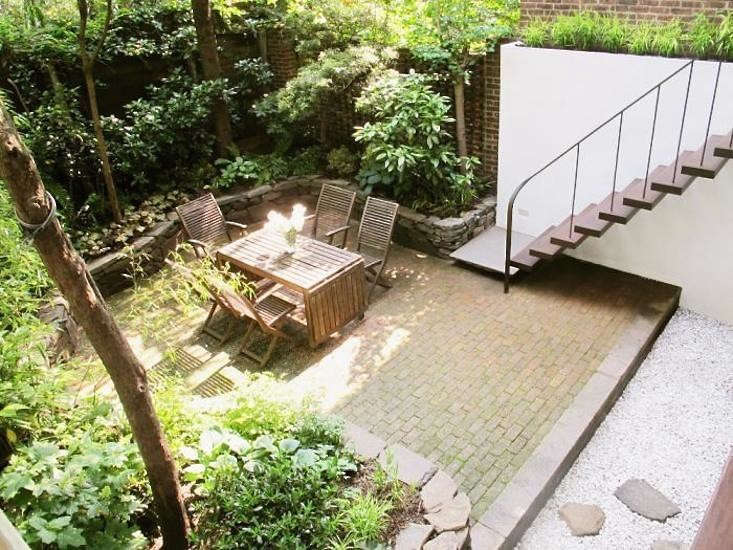 patios-oavers-brick-gardenista