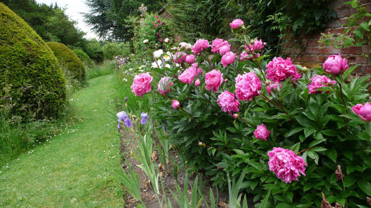 Photograph by Kendra Wilson. For more of this garden, see Helmingham Hall in Suffolk: Shouldn&#8