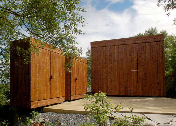 roof-overhang-retractable-shed-2-gardenista