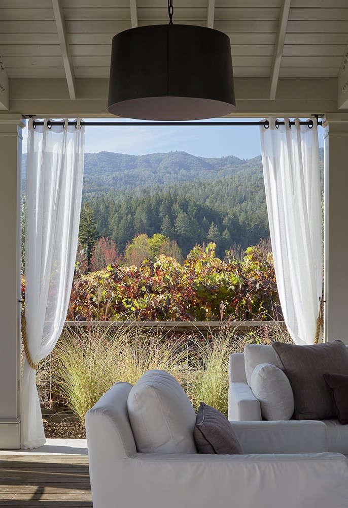 scott-lewis-vineyard-retreat-grasses-northern-california-14-gardenista