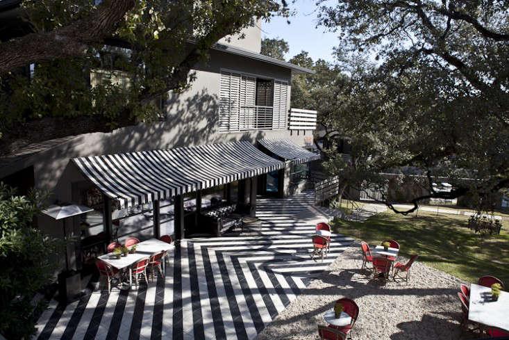 tiled-patio-Saint-Cecilia-Landscape-Remodelista-2