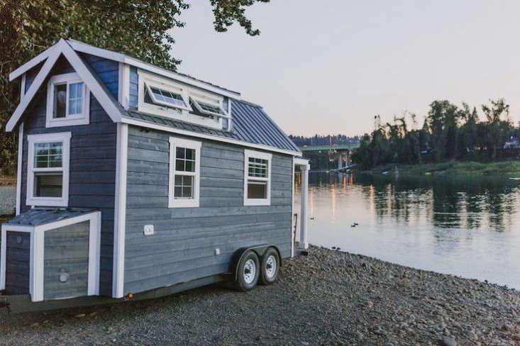 tiny-house-on-wheels-exterior-gardenista
