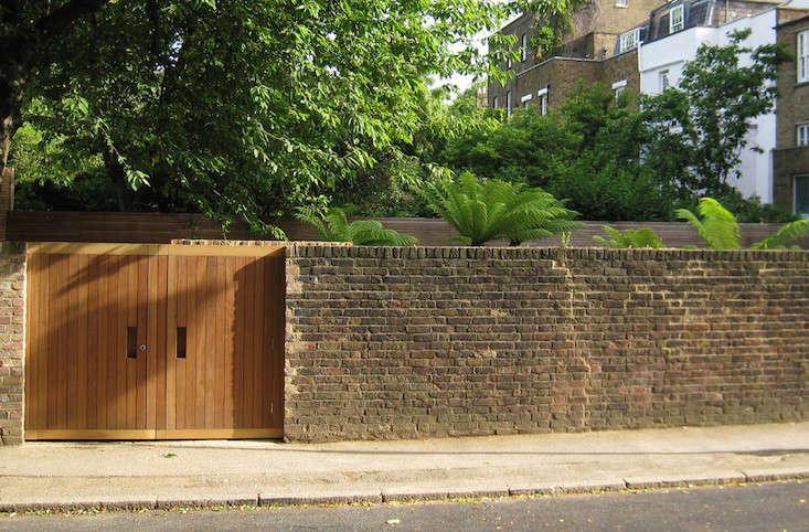 Tom Stuart-Smith's garden surprises behind these walls