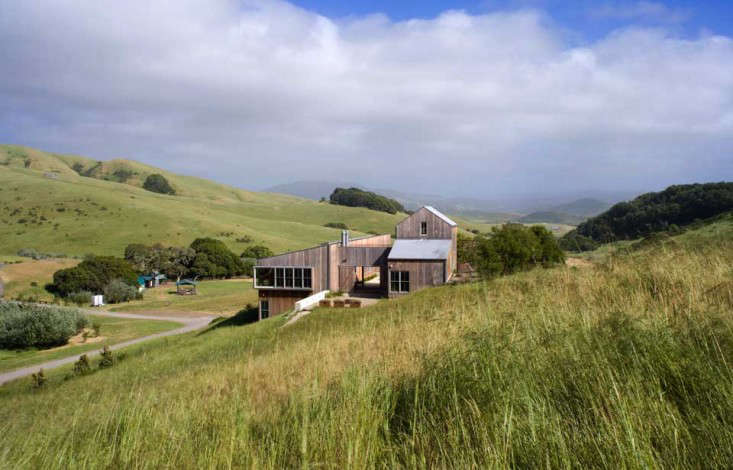 Turnbull Griffin Haesloop designed this net-zero getaway in Marin County