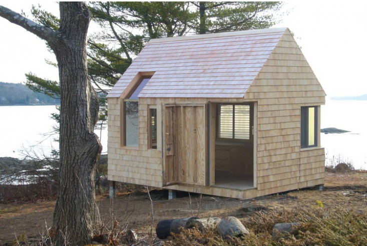 writers-studio-boat-house-outbuilding-maine-gardenista-10