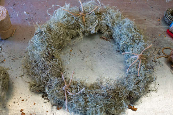 A finished wreath.