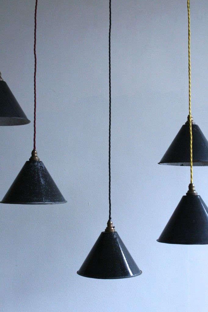Vintage-black-enamel-pendants-Agapanthus-Interiors-Gardenista