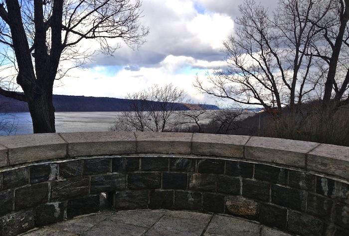 700_cloisters-view-north-round-ledge