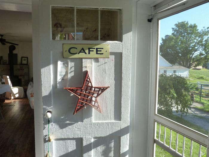 700_bardwell-farm-cafe-door