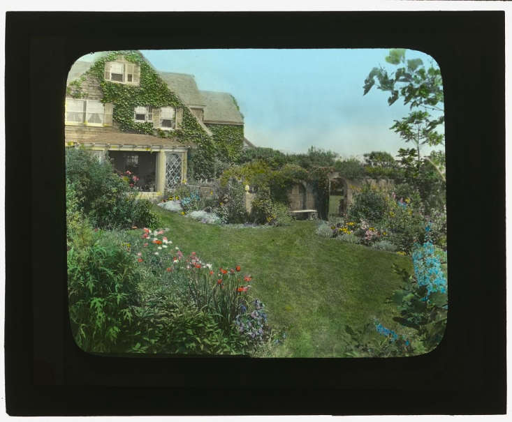 Photograph courtesy of Library of Congress via Wikimedia.