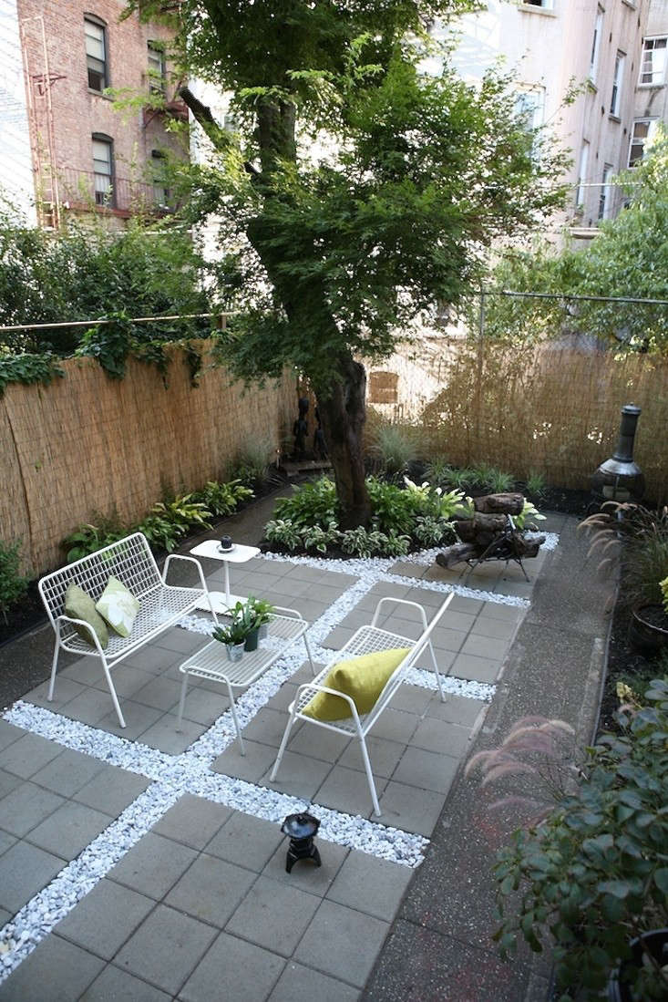 ishka-designs-brooklyn-white-gravel-wire-furniture-gardenista
