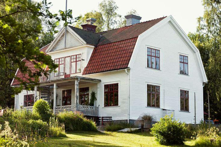 "Discovered via Pinterest: Sågverket Möten Rum & Kök. Translation: ""Sawmill Meeting Room & Kitchen,"" a waterside hostel with uncommon style in northern Sweden&#8\2\17;s High Coast region."