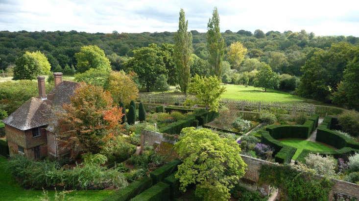 Sissinghurst-Castle-Southeast-Gardens-aerial-view