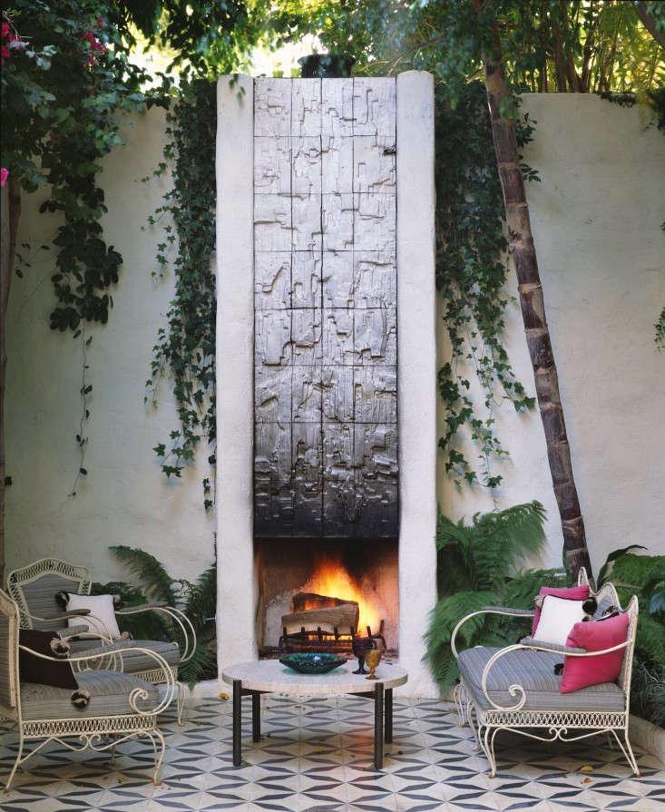 Commune-CATALINA-outdoor-fireplace-photograph-Cory-Walter-Gardenista