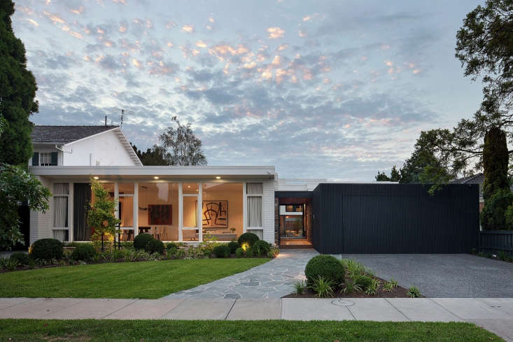 Photograph by Shannon McGrath via Bower Architecture and Arch Daily.