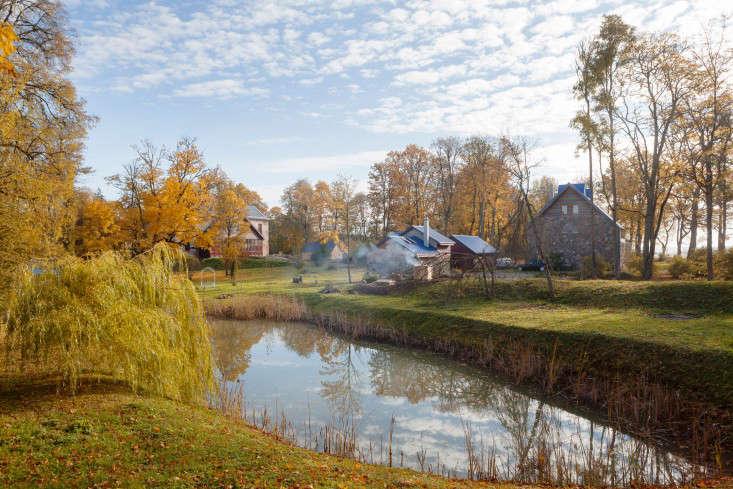 Freunde-von-Freunden-Aigars-Bikse-river-autumn-latvia-gardenista