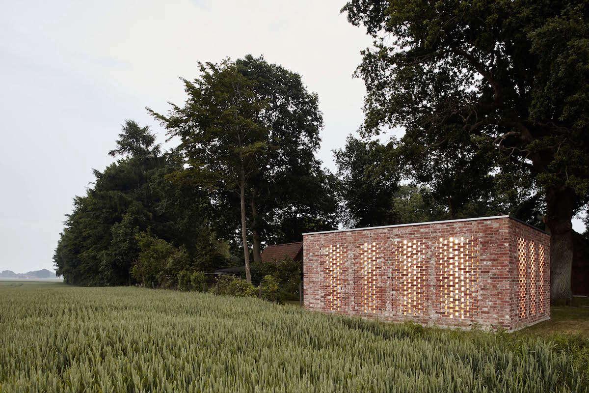 Wirth-Architects-Brick-Garage-Gardenista-14