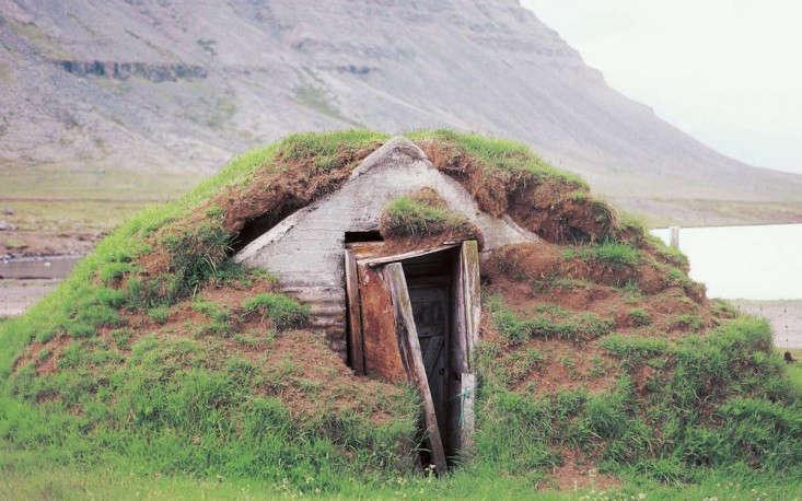 a-wilder-life-winter-hut-gardenista