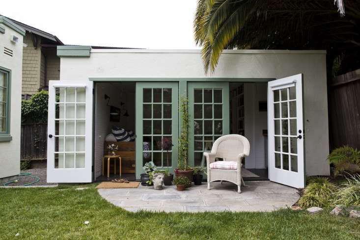 grottage-garage-cottage-gardenista