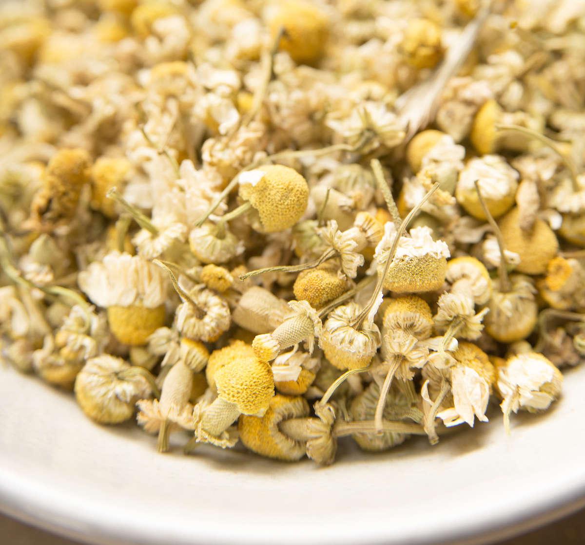 herbal-apothecary-chamomile-gardenista