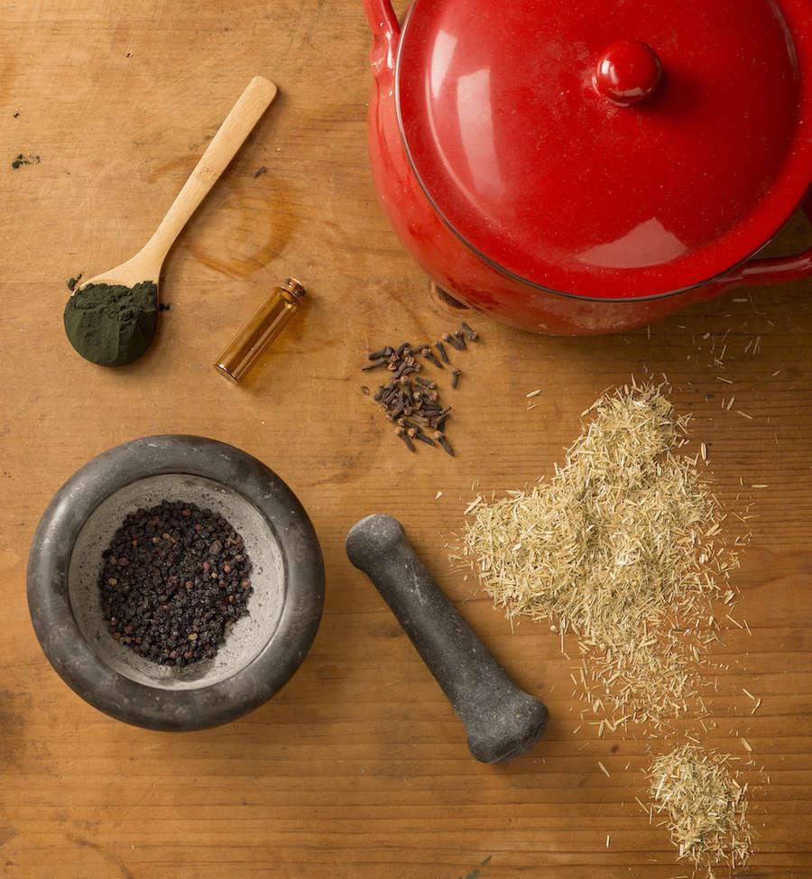 herbal-apothecary-gardenista-3