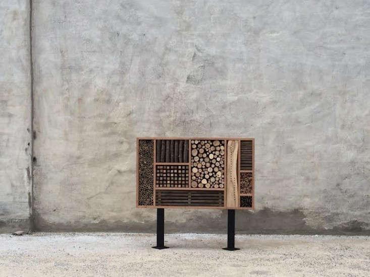 urban-hedgerow-bee-house-gardenista-