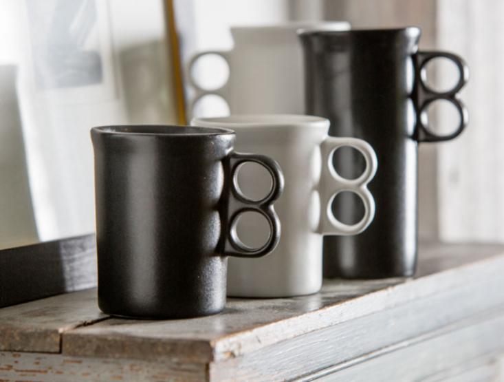 bennington-pottery-white-black-trigger-mugs-gardenista