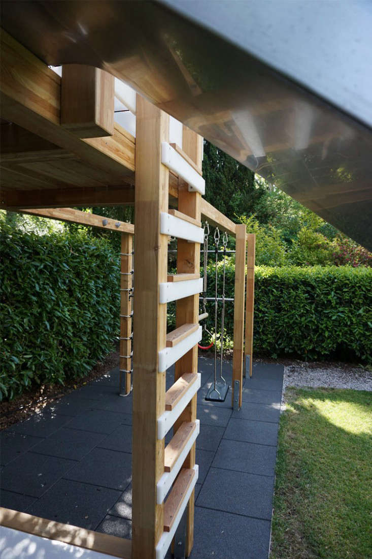 play-structure-ladder-gardenista