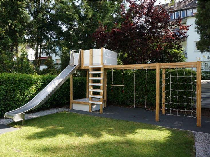 swing-set-play-structure-2-gardenista