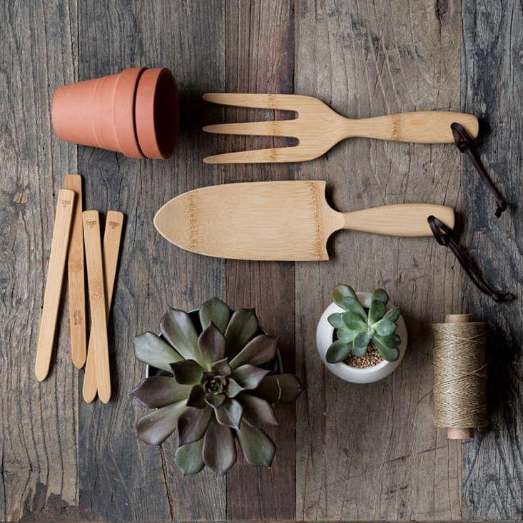bamboo-garden-tools-bambu-gardenista