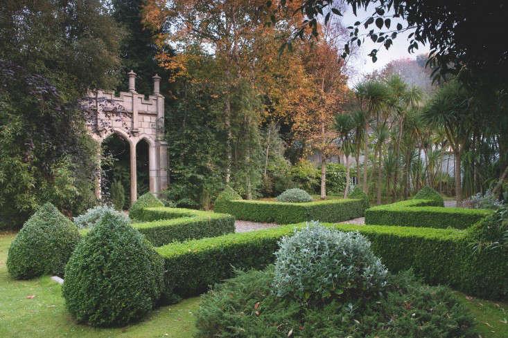 fixed-the-irish-garden-ireland-gardenista-Corke Lodge another arch2