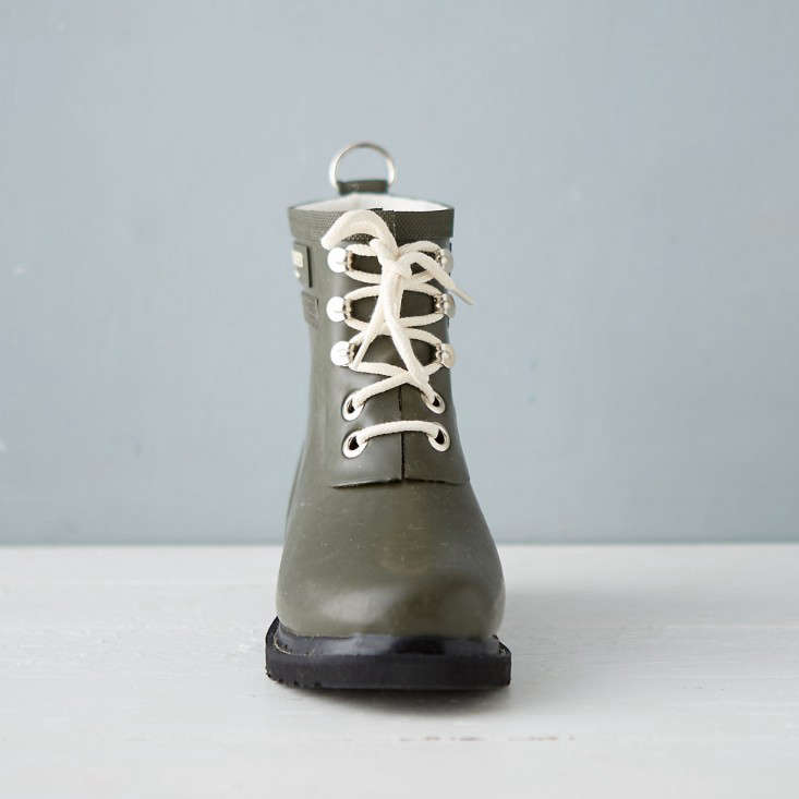 garden-boots-ilse-jacobsen-gardenista-3
