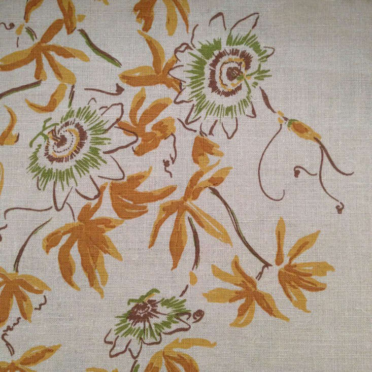 lake-august-botanical-fabric-gardenista-Caerulea-Otono-flat