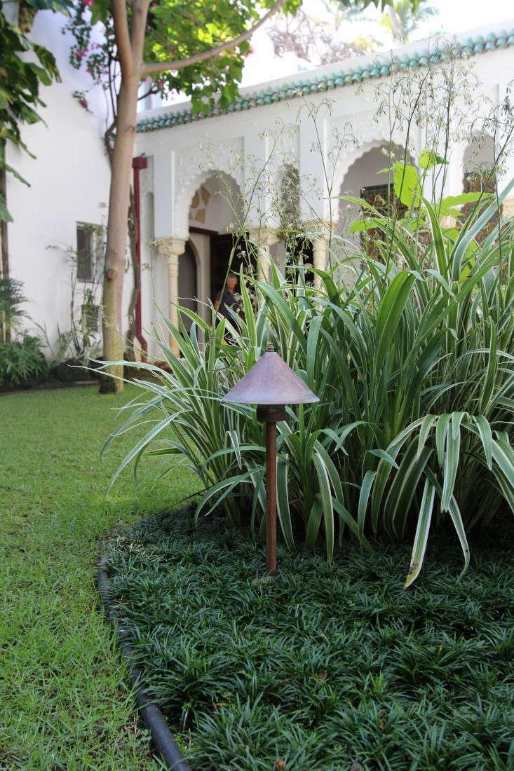 outdoor-lighting-2-doris-duke-shangri-la-gardenista