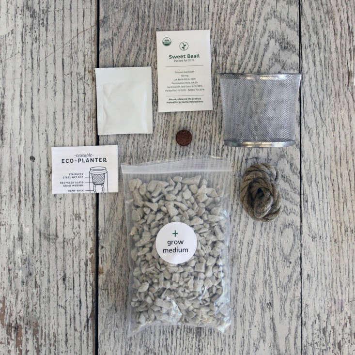 hydroponic--herb-kit-materials-garenista
